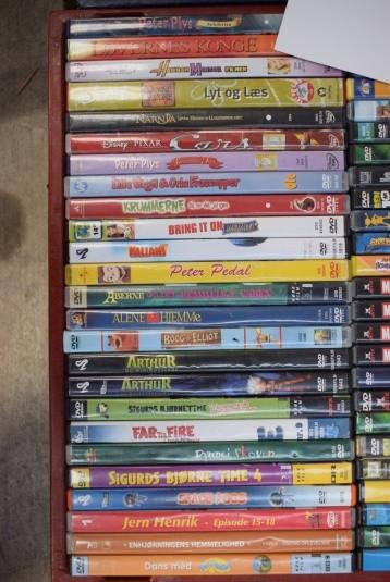 Kasse med DVD-film